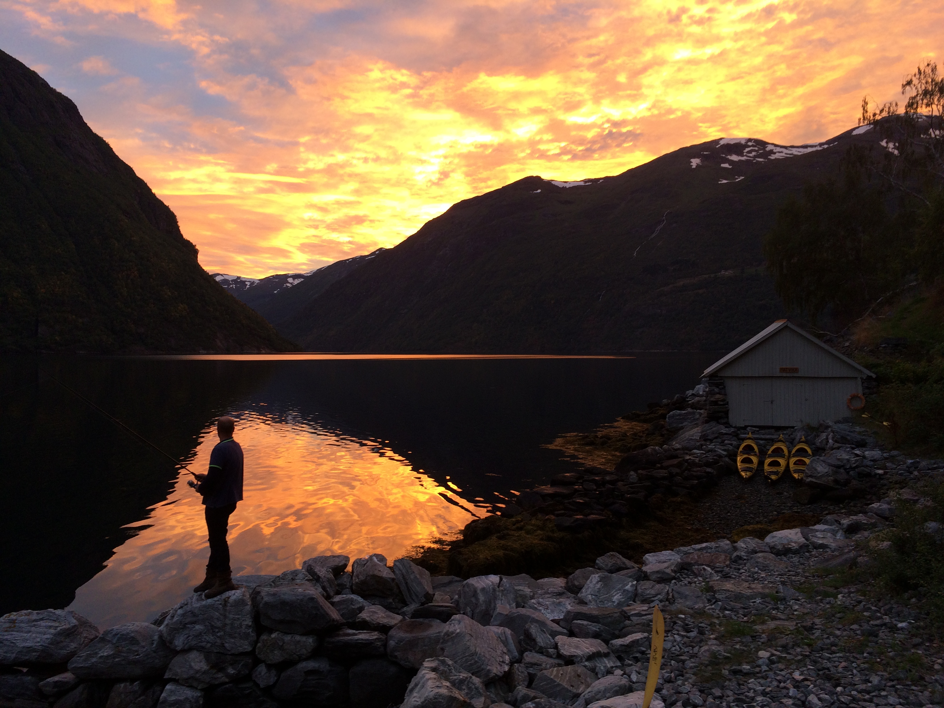 Fishing while paddling in Geirangerfjord, Jan Hein