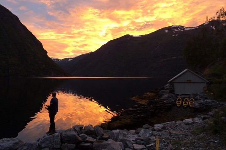 Geirangerfjord kayak adventure. Photo: Jan Hein