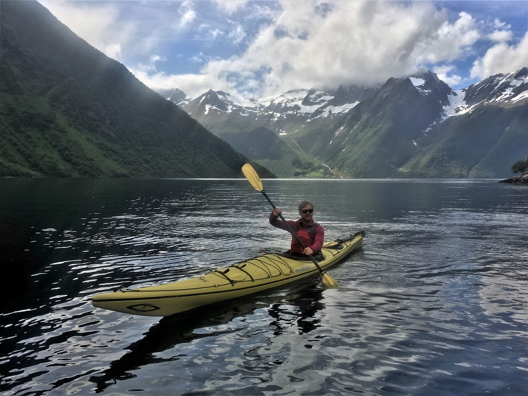 Hidden Fjord kayaking 1 day.