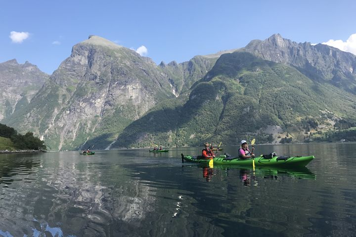 Hjørundfjord day 1, kayaking