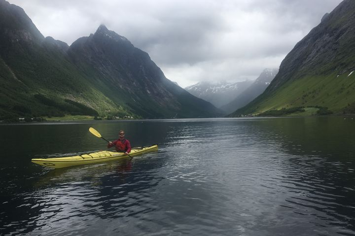 Kayaking in the Hjørundfjord
